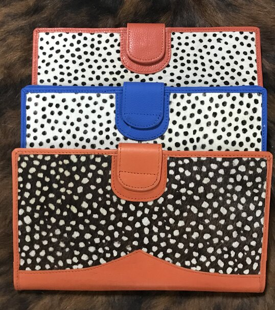 Brilyn Wallet Spotted Prints